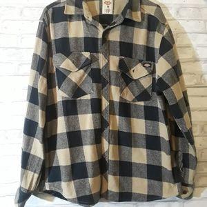 Dickie Men's flannel shirt size Medium